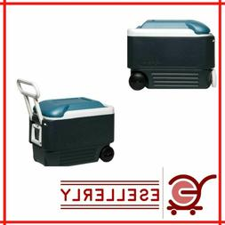 Igloo Maxcold 40 Roller Cooler  handle and durable wheels 2